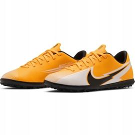 Buty piłkarskie Nike Mercurial Vapor 13 Club Tf Junior AT8177 801 pomarańczowe żółte 3