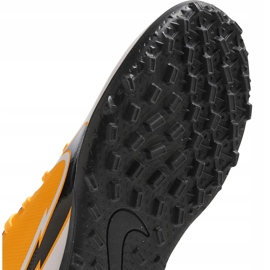 Buty piłkarskie Nike Mercurial Vapor 13 Club Tf Junior AT8177 801 pomarańczowe żółte 7