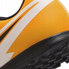 Buty piłkarskie Nike Mercurial Vapor 13 Club Tf Junior AT8177 801 pomarańczowe żółte 6