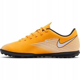 Buty piłkarskie Nike Mercurial Vapor 13 Club Tf Junior AT8177 801 pomarańczowe żółte 2