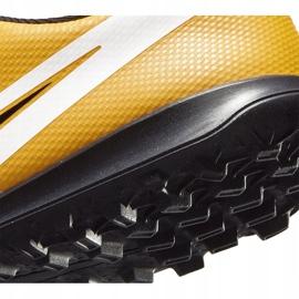 Buty piłkarskie Nike Mercurial Vapor 13 Club Tf PS(V) Junior AT8178 801 pomarańczowy, zółty żółte 8