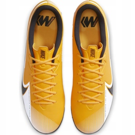 Buty piłkarskie Nike Mercurial Vapor 13 Academy Tf AT7996 801 pomarańczowe pomarańczowe 1