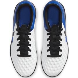 Buty piłkarskie Nike Tiempo Legend 8 Club Tf Junior AT5883 104 białe niebieskie 1