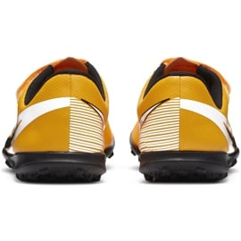 Buty piłkarskie Nike Mercurial Vapor 13 Club Tf PS(V) Junior AT8178 801 pomarańczowy, zółty żółte 5