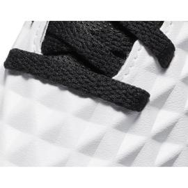 Buty piłkarskie Nike Tiempo Legend 8 Club Tf Junior AT5883 104 białe niebieskie 5