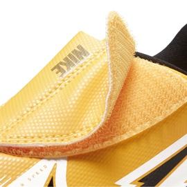 Buty piłkarskie Nike Mercurial Vapor 13 Club Tf PS(V) Junior AT8178 801 pomarańczowy, zółty żółte 7