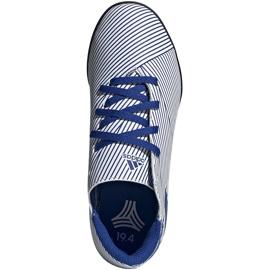 Buty piłkarskie adidas Nemeziz 19.4 Tf Junior biało-niebieskie FV3313 wielokolorowe 1