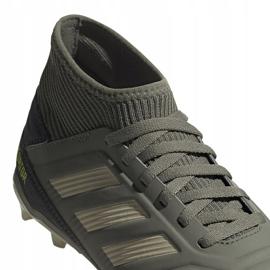 Buty piłkarskie adidas Predator 19.3 Fg Jr EF8215 szare 4
