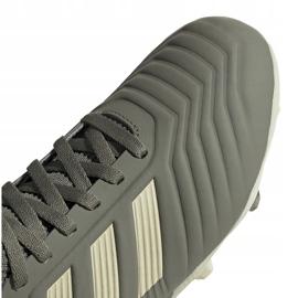 Buty piłkarskie adidas Predator 19.3 Fg Jr EF8215 szare 3