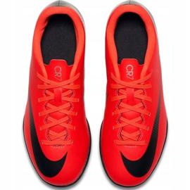Buty piłkarskie Nike Mercurial Vapor X 12 Club Gs CR7 Tf Jr AJ3106 600 wielokolorowe czerwone 3