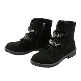 Czarne botki z ozdobnymi paskami Ginoraya 2
