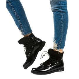 Czarne sznurowane botki Merela 2