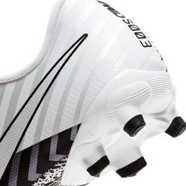 Buty piłkarskie Nike Mercurial Vapor 13 Academy Mds FG/MG Jr CJ0980-110 wielokolorowe białe 6