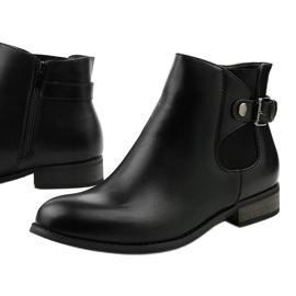 Czarne płaskie botki z gumką i suwakiem 20Y8035-1 1