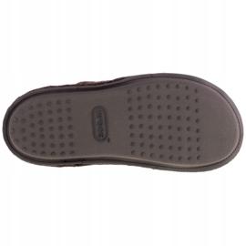 Kapcie Crocs Classic Slipper 203600-23B brązowe 3