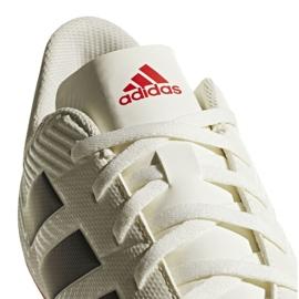 Buty piłkarskie adidas Nemeziz 18.4 FxG D97992 białe wielokolorowe 3