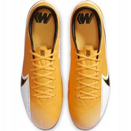 Buty piłkarskie Nike Mercurial Vapor 13 Academy SG-Pro Ac BQ9142 801 pomarańczowe pomarańczowe 1