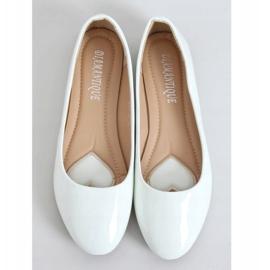 Baleriny lakierowane białe 9988-60 White 1