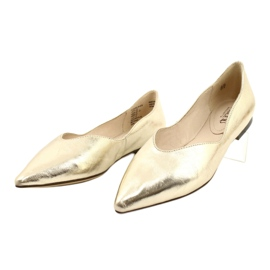 Lordsy baleriny damskie skóra Caprice 24200 Gold złoty 2