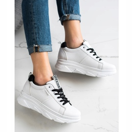 SHELOVET Sneakersy Na Białej Platformie Nice 1