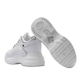 Białe sneakersy na grubej podeszwie Johana 2