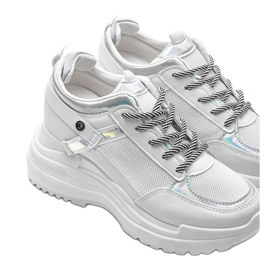 Białe sneakersy na grubej podeszwie Johana 3