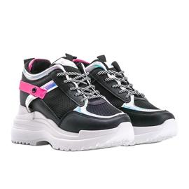 Czarne sneakersy na grubej podeszwie Johana 1