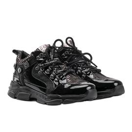 Czarne sneakersy na koturnie Giovanna 1