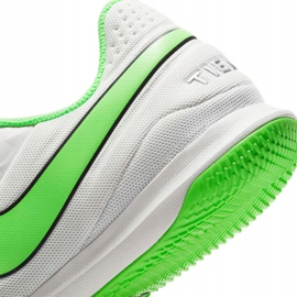 Buty piłkarskie Nike Tiempo Legend 8 Academy Ic AT6099 030 białe białe 7