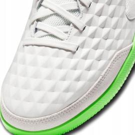 Buty piłkarskie Nike Tiempo Legend 8 Academy Ic AT6099 030 białe białe 6