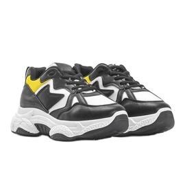 Białe sneakersy sportowe Aubrie czarne 1