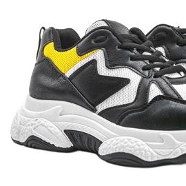 Białe sneakersy sportowe Aubrie czarne 3