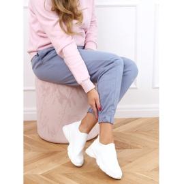 Buty sportowe skarpetkowe białe NB399 White 3