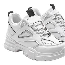 Białe sneakersy sportowe Christy 4