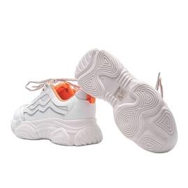 Białe sneakersy z pomarańczowymi wstawkami Jasmin 2