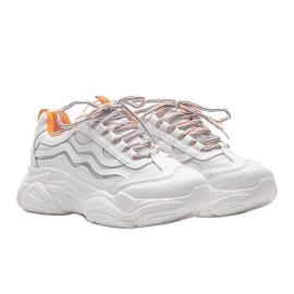 Białe sneakersy z pomarańczowymi wstawkami Jasmin 3