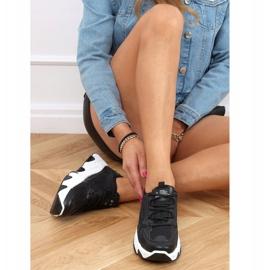 Buty sportowe damskie czarne NB373P Black 2