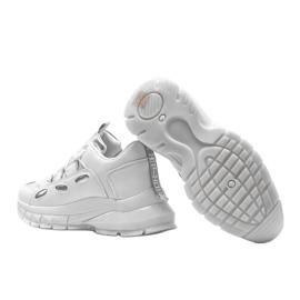 Białe sneakersy z srebrnymi wstawkami Guadalupe 2