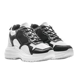 Biało-czarne sneakersy na koturnie Alexandra białe 1