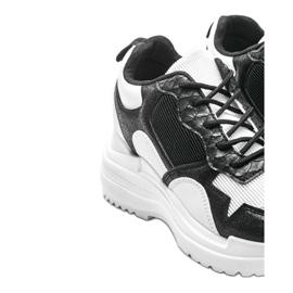 Biało-czarne sneakersy na koturnie Alexandra białe 3