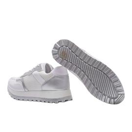 Białe sneakersy sportowe Antonia 2