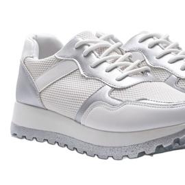 Białe sneakersy sportowe Antonia 3