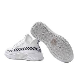 Białe obuwie sportowe wsuwane Kaylee 1