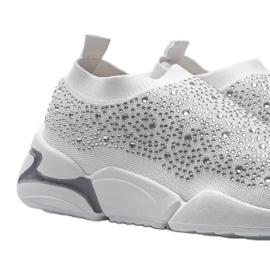 Białe obuwie sportowe wsuwane Eva 3