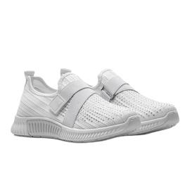 Białe obuwie sportowe wsuwane Akira 1