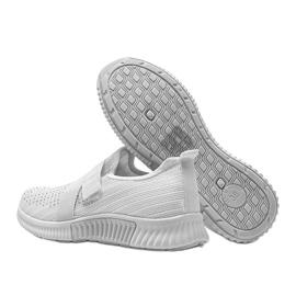 Białe obuwie sportowe wsuwane Akira 2