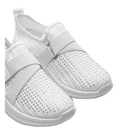 Białe obuwie sportowe wsuwane Akira 3