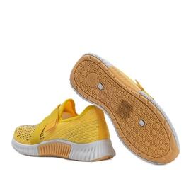 Żółte obuwie sportowe wsuwane Akira 2
