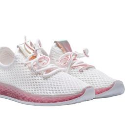 Biało różowe obuwie wsuwane Marley białe 3