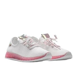 Biało różowe obuwie wsuwane Marley białe 4